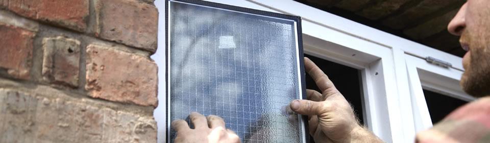 Glas plaatsen in wc raam Dronten